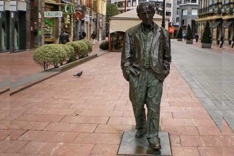 Antique design Casting Bronze Street Walking Man Statue