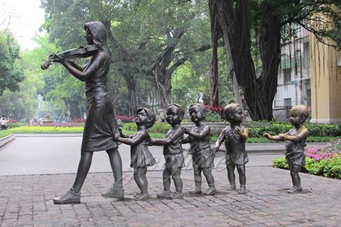 Street design Art Decorative Sculptures with Some Children in Antique Bronze